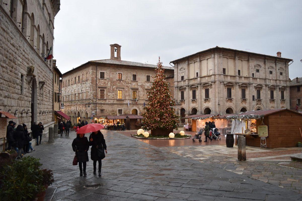 Montepulciano Square