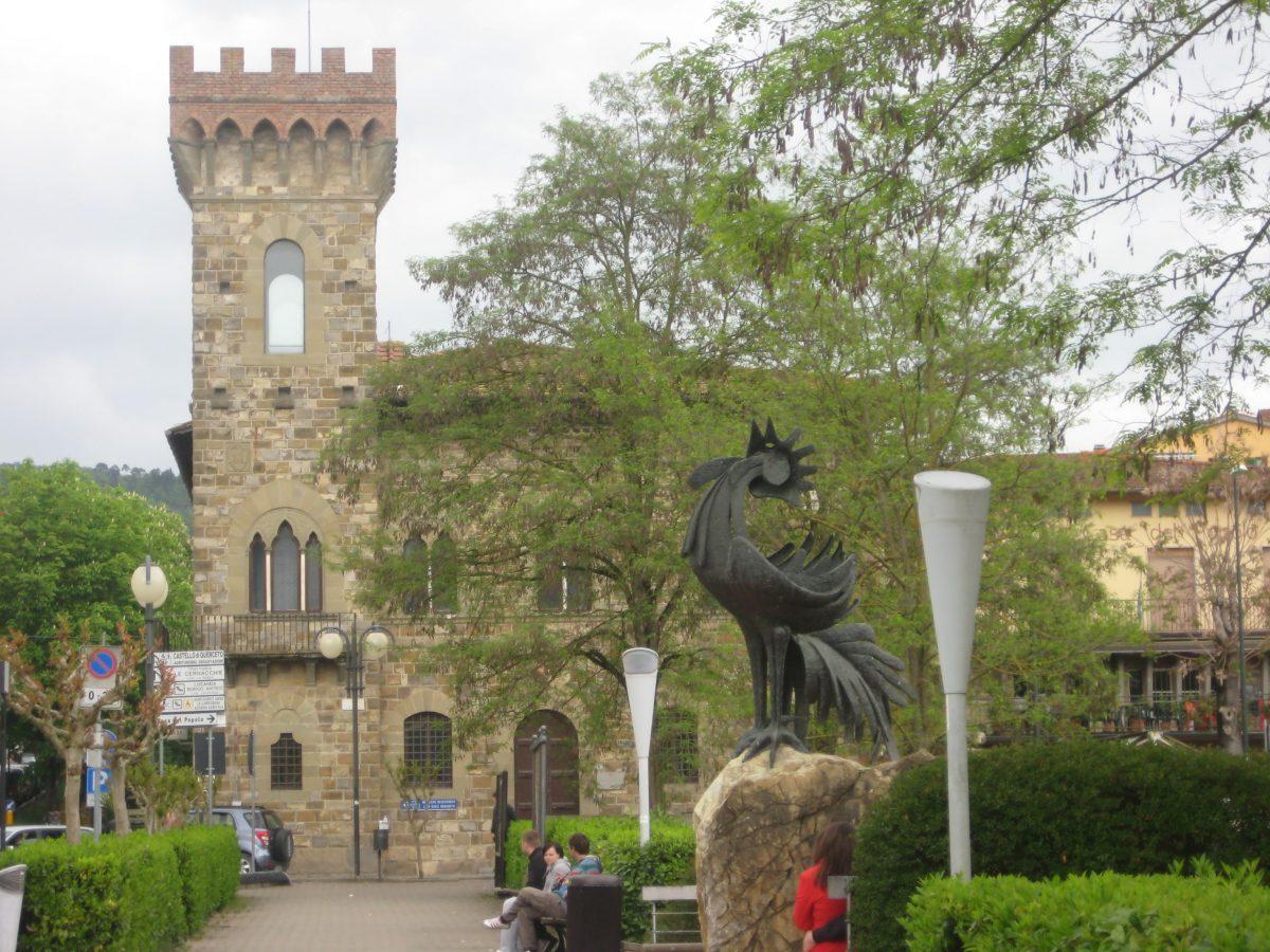 Gallo Nero statue in Greve in Chianti